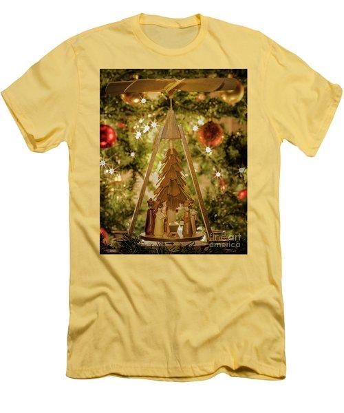 German Christmas Pyramid Men's T-Shirt (Athletic Fit)