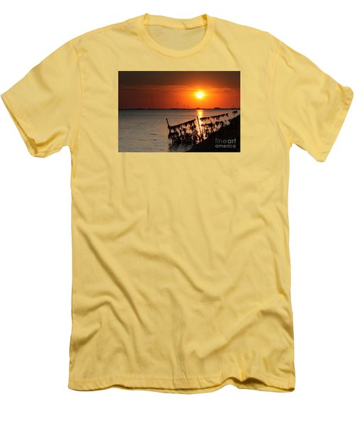 Husum Sunset Men's T-Shirt (Athletic Fit)
