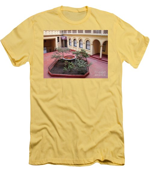 Isham Gardens Men's T-Shirt (Athletic Fit)