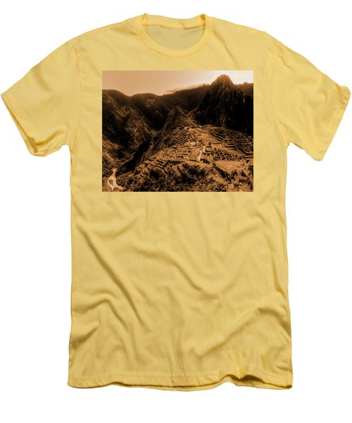 Machu Pichu Men's T-Shirt (Athletic Fit)