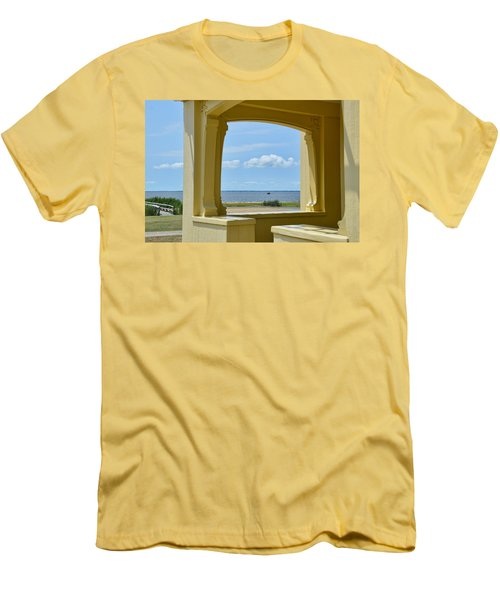 Mansion View Men's T-Shirt (Slim Fit)