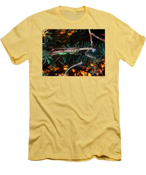Mantis  Men's T-Shirt (Athletic Fit)
