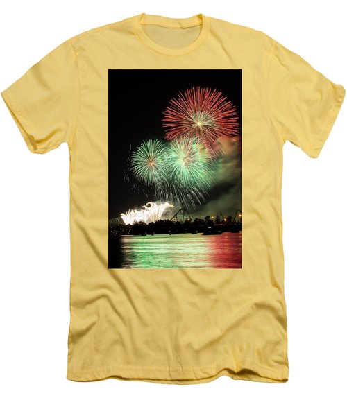 Montreal-fireworks Men's T-Shirt (Athletic Fit)