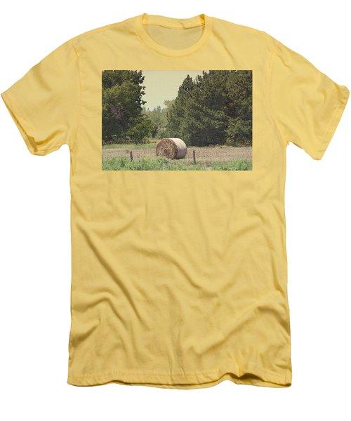Nebraska Farm Life - Hay Bail Men's T-Shirt (Athletic Fit)