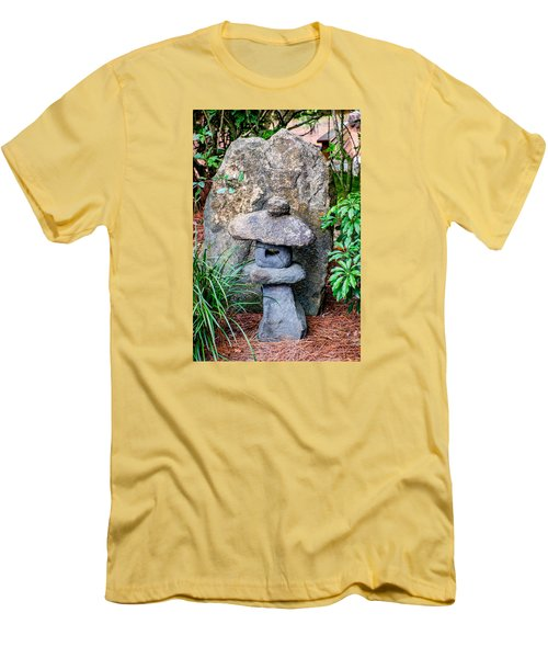 Old Stone Lantern Men's T-Shirt (Athletic Fit)