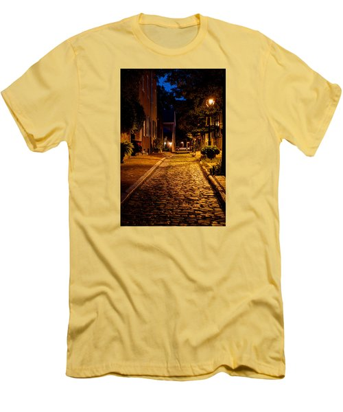 Men's T-Shirt (Athletic Fit) featuring the photograph Olde Town Philly Alley by Mark Dodd