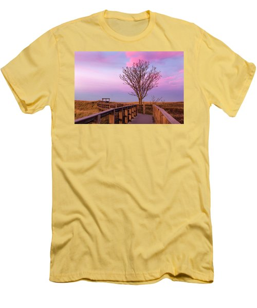 Plum Island Boardwalk With Tree Men's T-Shirt (Athletic Fit)