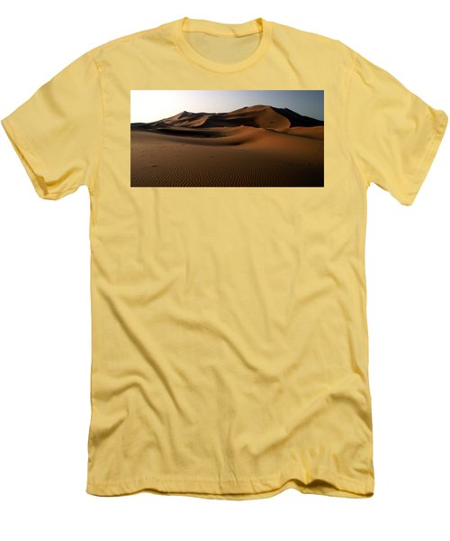 Ripples In The Sand Men's T-Shirt (Slim Fit) by Ralph A  Ledergerber-Photography