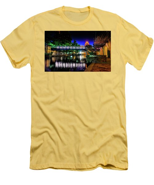 Riverwalk Bridge Men's T-Shirt (Athletic Fit)