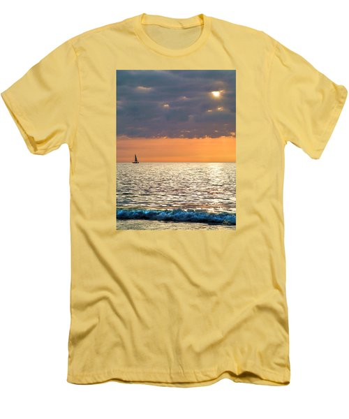 Sailing In The Sun Men's T-Shirt (Athletic Fit)