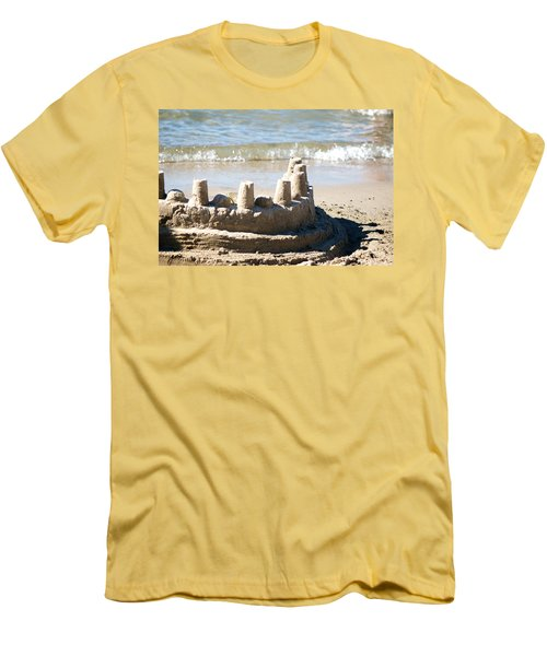 Sandcastle  Men's T-Shirt (Athletic Fit)