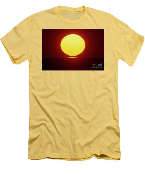 Sea Of Japan Men's T-Shirt (Athletic Fit)