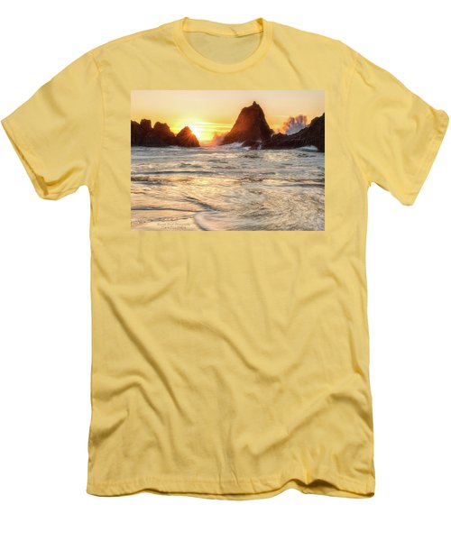 Seal Rock  Men's T-Shirt (Athletic Fit)
