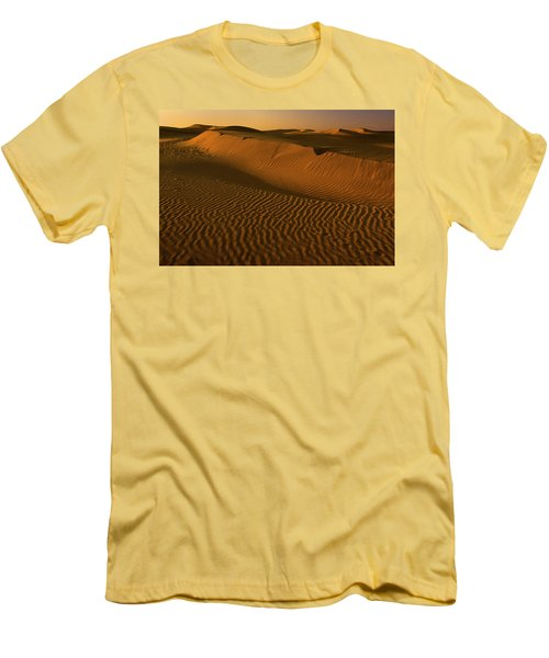 Skn 1127 The Golden Dunes Men's T-Shirt (Athletic Fit)