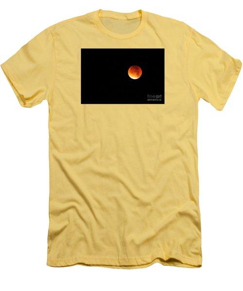 The 2015 Blood Moon  Men's T-Shirt (Slim Fit) by Gary Bridger
