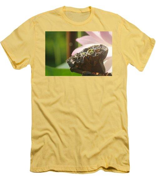 The Pod Men's T-Shirt (Athletic Fit)
