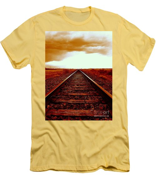 Marfa Texas America Southwest Tracks To California Men's T-Shirt (Athletic Fit)