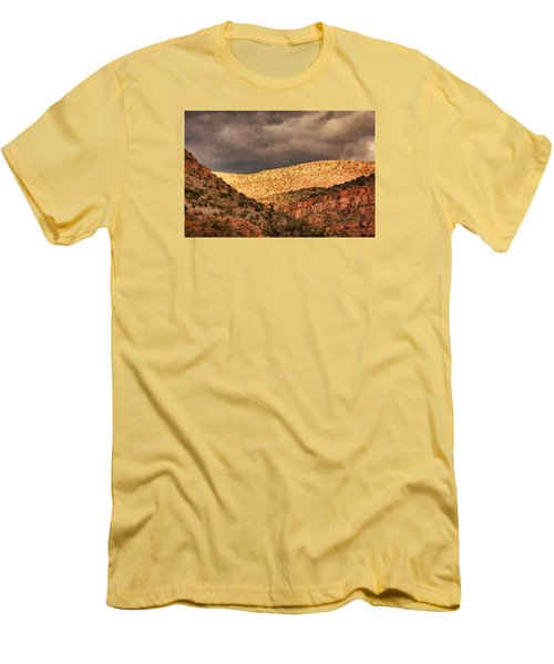 Verde Canyon View Pnt Men's T-Shirt (Athletic Fit)