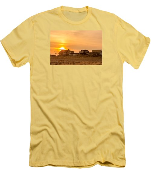 Winter Shore Sunset Men's T-Shirt (Athletic Fit)