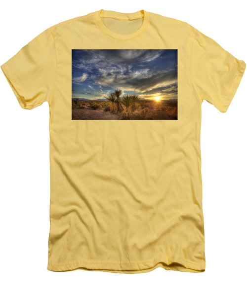 Yucca Sunset Men's T-Shirt (Athletic Fit)