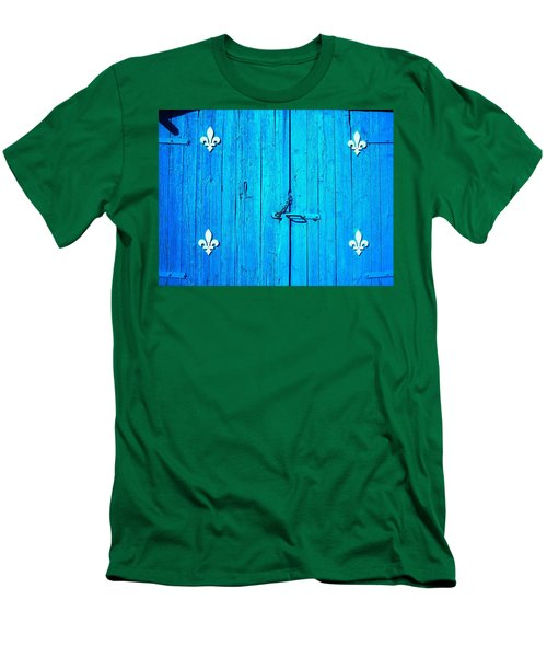 Quebec ... Men's T-Shirt (Athletic Fit)