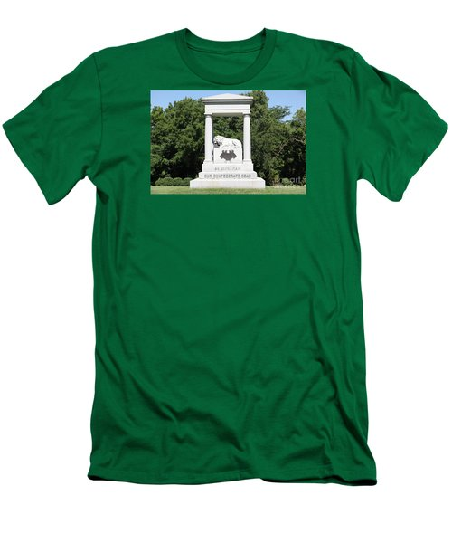 Monument At Higginsville   Missouri Men's T-Shirt (Athletic Fit)