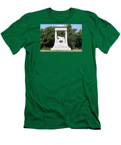 Monument At Higginsville   Missouri Men's T-Shirt (Athletic Fit)