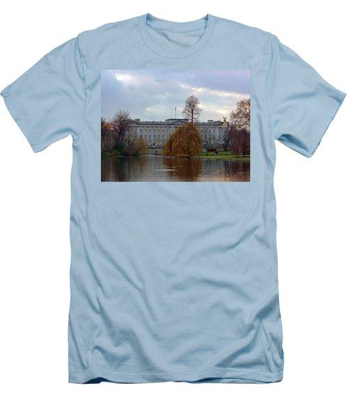 Buckingham Palace Men's T-Shirt (Slim Fit) by Lynn Bolt
