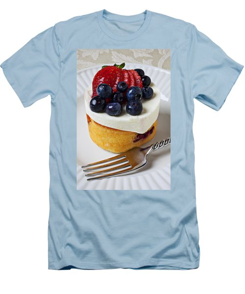 Cheese Cream Cake With Fruit Men's T-Shirt (Athletic Fit)