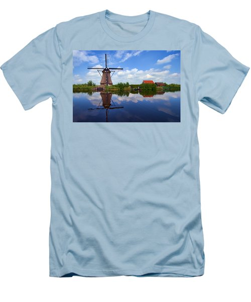 Kinderdijk Men's T-Shirt (Athletic Fit)