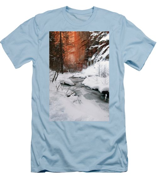 16x20 Canvas - West Fork Snow Men's T-Shirt (Athletic Fit)
