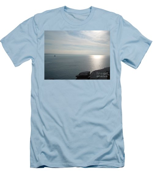 A King's View Men's T-Shirt (Slim Fit) by Richard Brookes