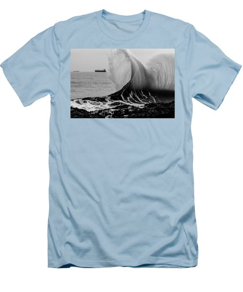 Backwash Men's T-Shirt (Athletic Fit)