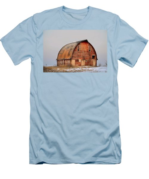 Barn On The Hill Men's T-Shirt (Slim Fit) by Bonfire Photography
