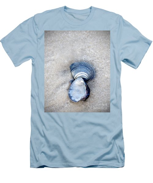 Blue Seashells Men's T-Shirt (Athletic Fit)