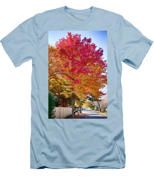 brilliant autumn colors on a Marblehead street Men's T-Shirt (Athletic Fit)
