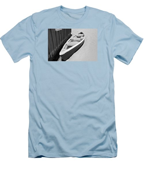Canoe In The Snow Men's T-Shirt (Athletic Fit)
