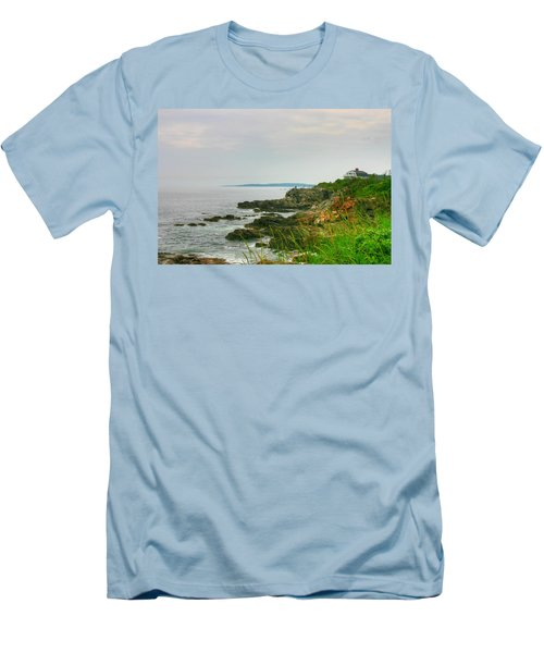 Cape Elizabeth Maine Men's T-Shirt (Athletic Fit)