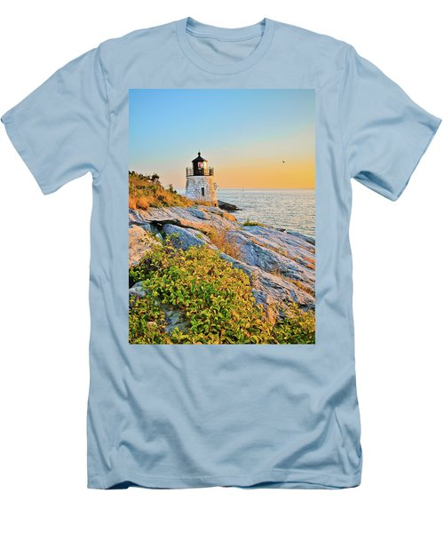 Castle Hill Lighthouse 1 Newport Men's T-Shirt (Athletic Fit)