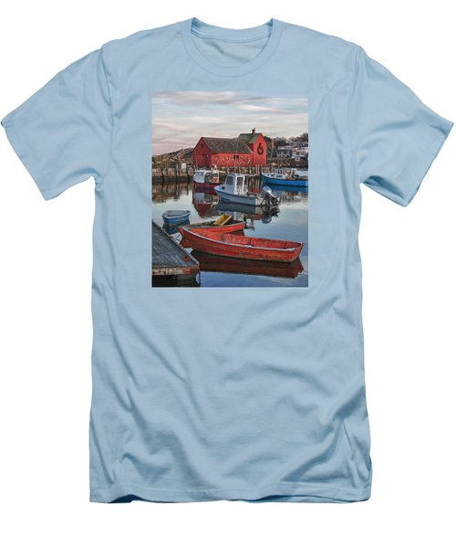 Christmas At Motif1 Rockport Massachusetts Men's T-Shirt (Athletic Fit)