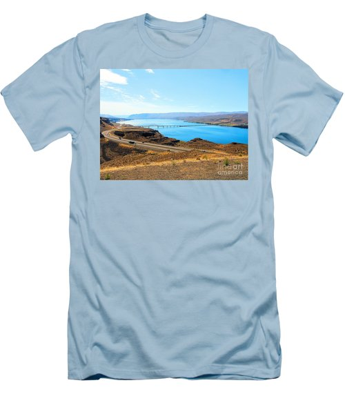 Columbia River From Overlook Men's T-Shirt (Athletic Fit)