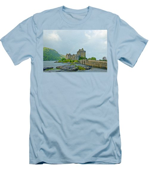 Eilean Donan Castle Textured 2 Men's T-Shirt (Athletic Fit)