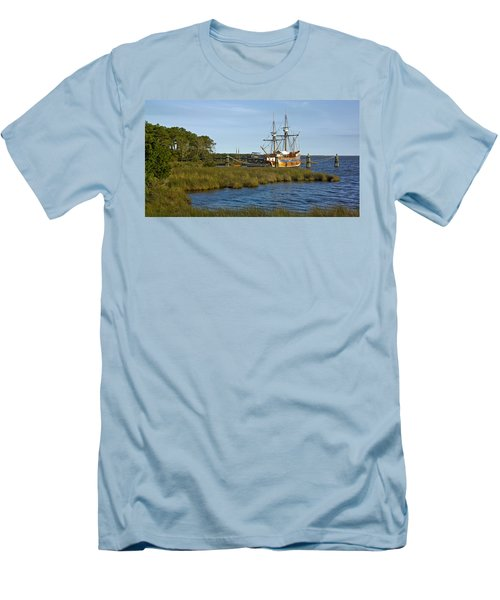 Men's T-Shirt (Slim Fit) featuring the photograph Elizabeth II In Port  by Greg Reed