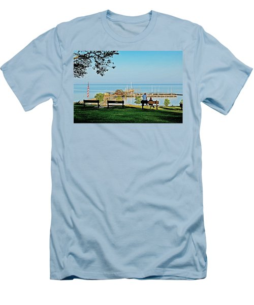 Fairhope Alabama Pier Men's T-Shirt (Athletic Fit)