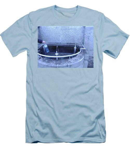 Fresh Water Men's T-Shirt (Athletic Fit)