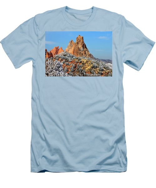 Frosted Wonderland 4 Men's T-Shirt (Athletic Fit)