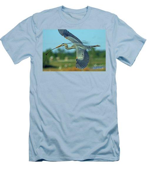 Great Blue Heron Flight 2 Men's T-Shirt (Athletic Fit)