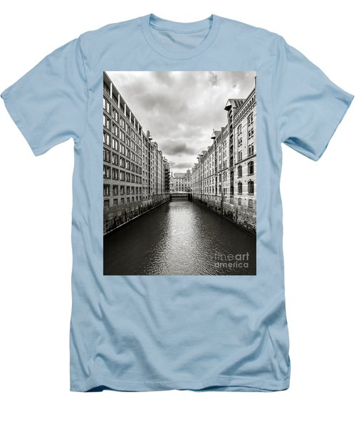 Hamburg Speicherstadt Men's T-Shirt (Athletic Fit)