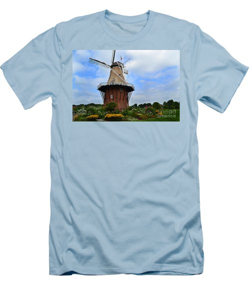 Holland Michigan Windmill Men's T-Shirt (Athletic Fit)