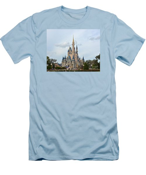 I Believe In Magic Men's T-Shirt (Slim Fit) by Carol  Bradley